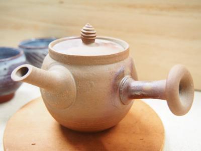 画像1: 甲和土焼締 急須 【甲和焼 芝窯】 (1)