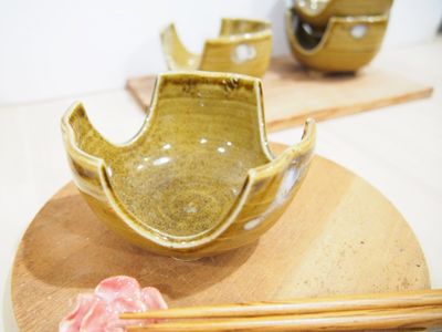 画像1: 灰釉 割山椒向付 【甲和焼 芝窯】 (1)