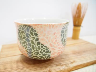 画像1: 紋花彩泥掻落 抹茶茶碗 (ピンク×緑) 【nicorico】 (1)