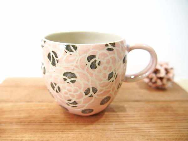 画像1: 紋花彩泥掻落ドット マグカップ (丸/ピンク×黒)【nicorico】 (1)