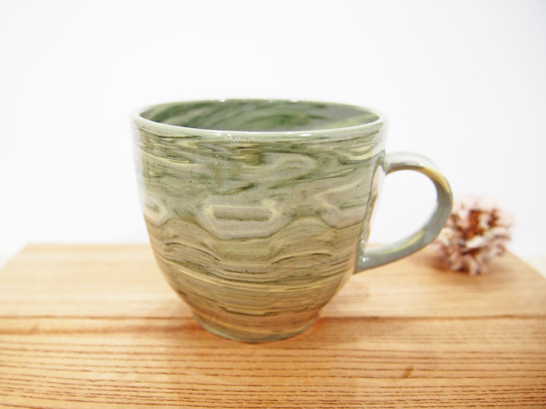 画像1: 練上マーブル マグカップ(緑)1【甲和焼 芝窯】 (1)