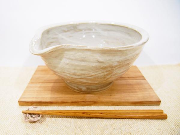 画像1: 甲和土 刷毛目片口 【甲和焼芝窯】 (1)