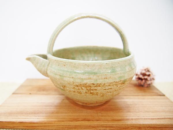 画像1: 灰釉 手付酒注 【甲和焼 芝窯】 (1)