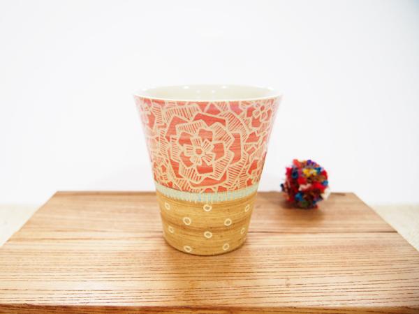 画像1: 紋花彩泥掻落 ビアカップ(赤×薄茶)(少し小さめ) 【nicorico】 (1)