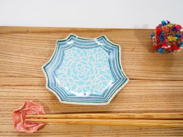 画像1: 紋花彩泥掻落縁取り ギザギザ豆鉢(水色×緑) 【nicorico】 (1)