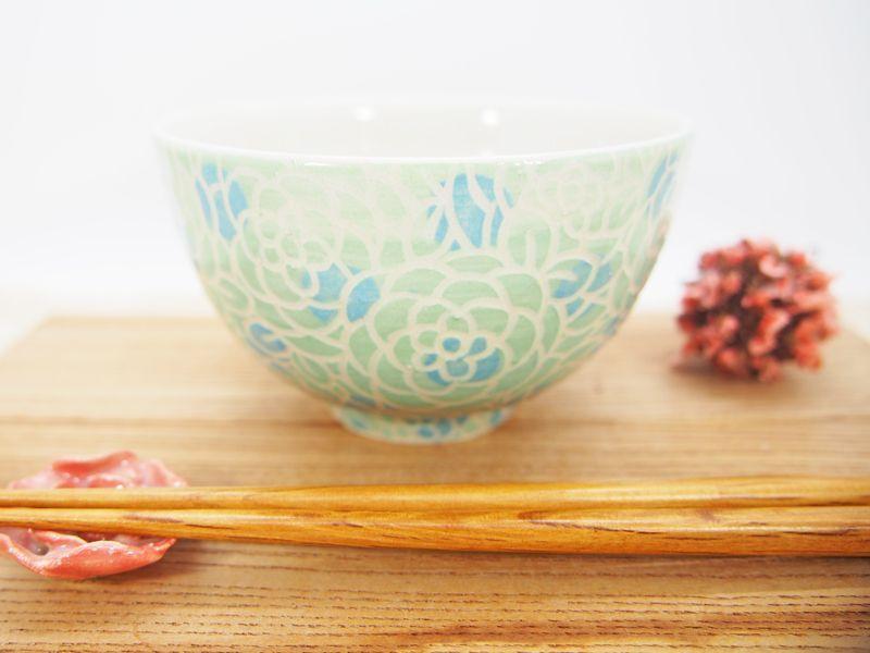 画像1: 紋花彩泥掻落ドット ごはん茶碗 (若草×水色) 【nicorico】 (1)